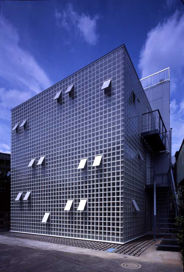 Crystal Brick House Tokyo Atelier Tekuto E Architect