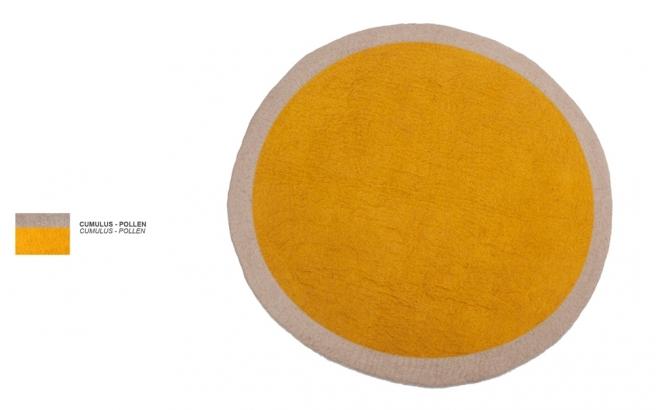 tapis rond en feutre jaune