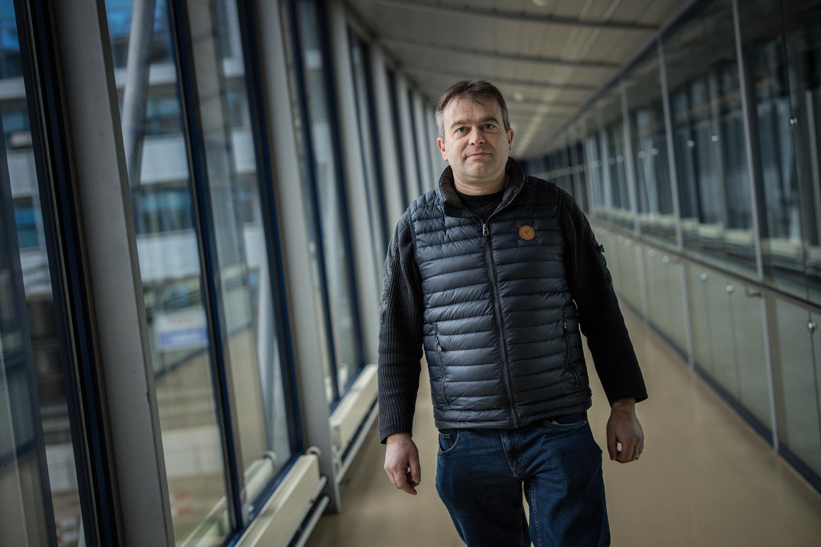 Après avoir été producteur laitier, Roland Aregger est devenu un professionnel de l'énergie éolienne.
