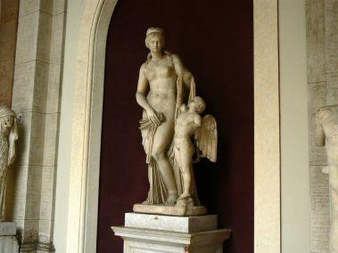 Venus y Cupido, Roma Imperial. Museo de Estatuas, Vaticano