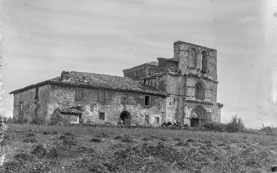 El románico en el pajar. La portada oculta del Santuario de Estíbaliz