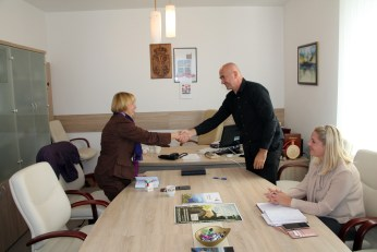 Signing the Memorandum of understanding with Knić Municipality