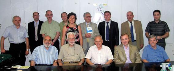 Figura 8. 2008. Miembros del Comité de Metrología de la AEC en la presentación de una de las últimas publicaciones.