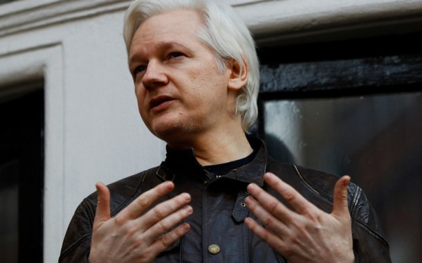 Assange seeks encrypted Twitter alternative