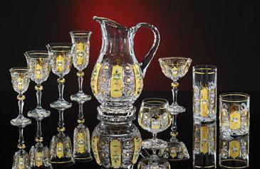 lampadario vintage in cristallo di boemia vendo particolare lampadario vintage epoca 1930 in cristallo di boemia con montatura in ottone lavorato, 3 punti luce e14. Shopping A Praga Cristallo Porcellana Lampadari Antiquariato E Praga Com