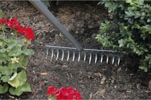Гребло Брадви - градински инструменти за почистване