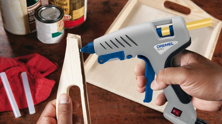 Пистолети за лепене Dremel и новите лепилни пръчки