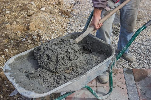 Как се приготвя бетон в домашни условия или на строителната площадка