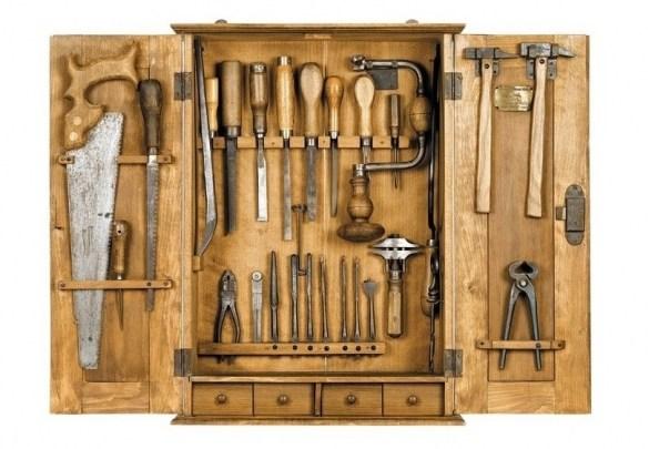 Основен набор инструменти за начинаещи дърводелци