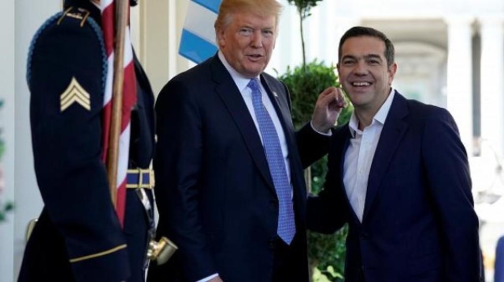 Ο Αλέξης Τσίπρας επικεφαλής στο μπλοκ του ΣΥΡΙΖΑ στην πορεία για το Πολυτεχνείο κατά της Αμερικάνικης Πρεσβείας; ΠΟΣΟ ΘΕΑΤΡΟ;