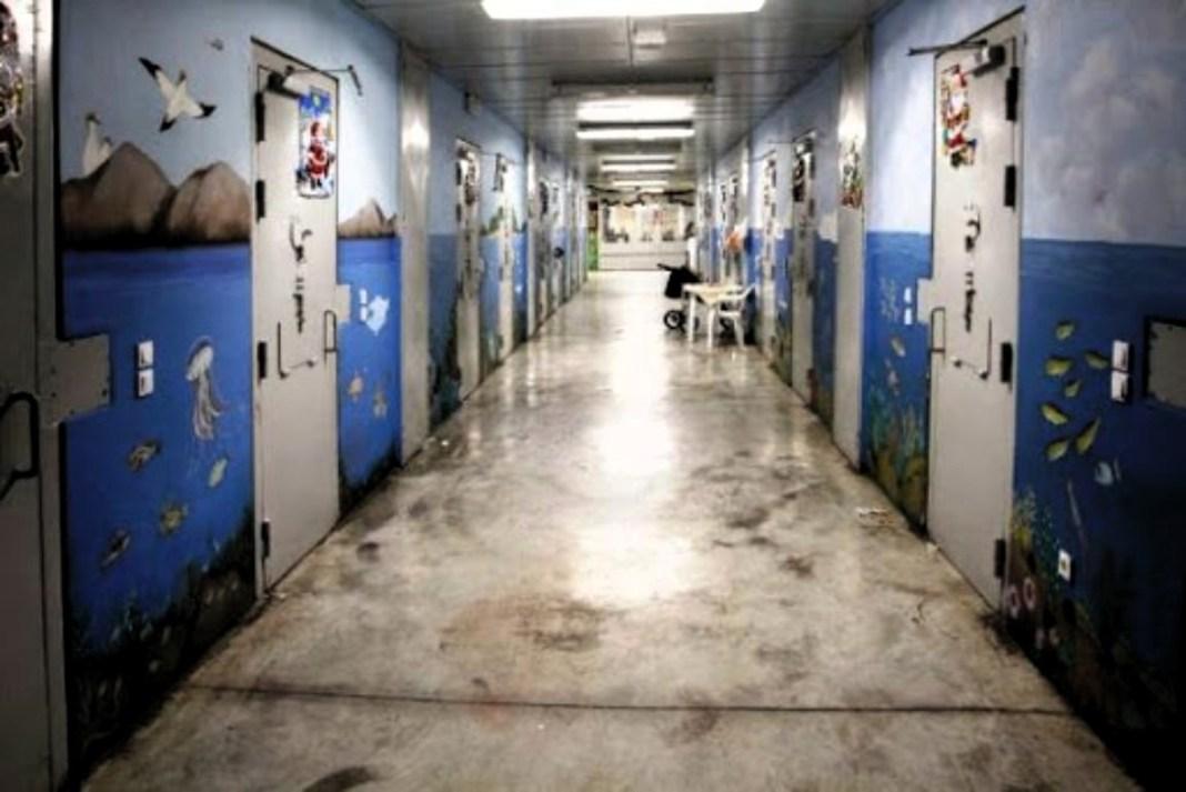 Εξέγερση στις φυλακές Ελαιώνα Θήβας, μετά από το θάνατο 35χρονης κρατούμενης στην Ε πτέρυγα, που βρέθηκε νεκρή το πρωί, πιθανόν από κορωνοϊό!