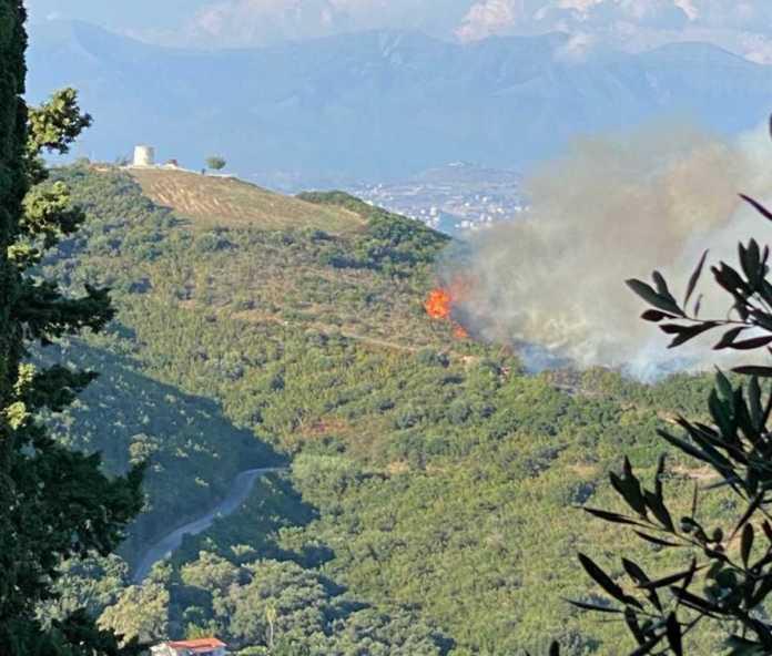 Κέρκυρα: Μεγάλη φωτιά κοντά στον Ερημίτη