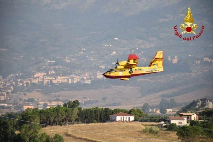 Καίγονται τα ελληνόφωνα χωριά της Ιταλίας: Εξήντα εστίες φωτιάς στην Καλαβρία – Δύο νεκροί