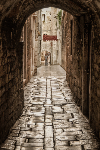 What made the emperor Diocletian choose this very spot for his retirement home more than 2.300 years ago, is not recorded