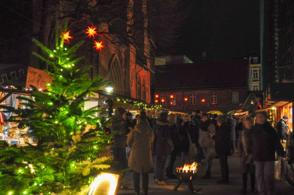 Historical Christmas Market in Lübeck