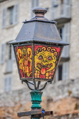 All street lights in the old Cite Plantagenet are vividly painted