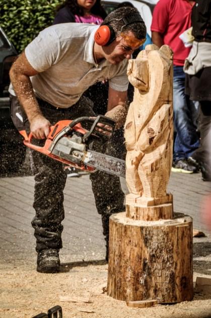 Herri Kirolak also includes wood cutting