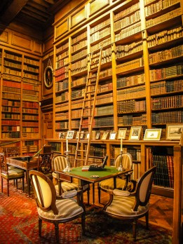 12 000 old books are carefully ordered in the shelves of the library. Photo courtesy of Château de Serrant