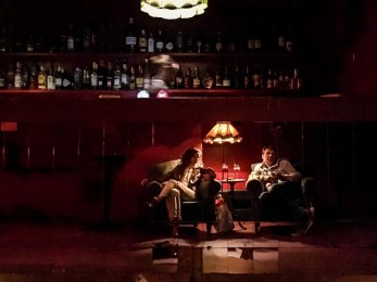 Try a 3€ Gin and Tonic at Era vez um Paris, where it feels to be inside a Twin Peaks movie. In a good way!!
