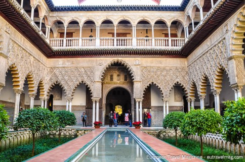 The symmetry and elegance of Patio de las Doncellas is out of this world