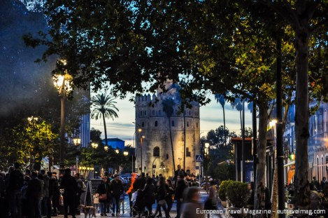 Torre del Oro was built by the Almohad dynasty as a watchtower in the early 1200