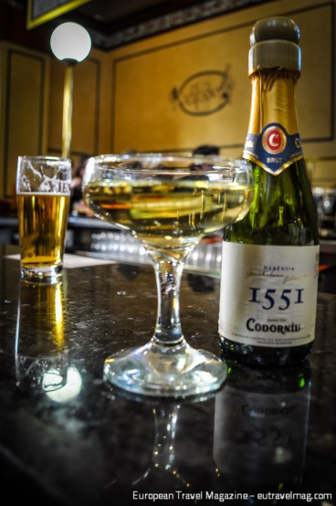A draught beer and small bottle of cava will set you back less than 6 Euros