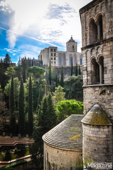 Part of the wall on the eastern side has been reconstructed and now forms part of the tourist route around the old city that is called Passeig de la Muralla