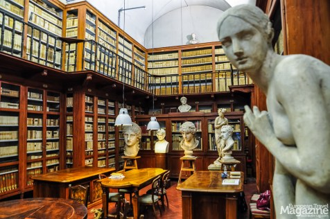 Biblioteca dell'Accademia di belle arti holds texts relating to the history of music and art
