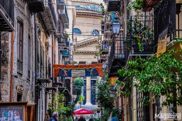 The streets west of Teatro Massimo are full of restaurants, cafés and artsy shops