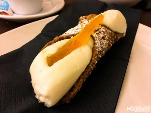 Amazing, highly addictive cannolo. Best in plural: cannoli!!