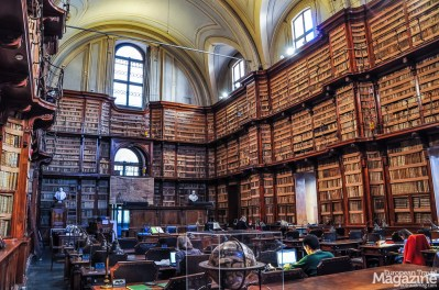 The library is housed in the former convent of the Augustinian Fathers, at the Church of Sant'Agostino in the historical centre of Rome