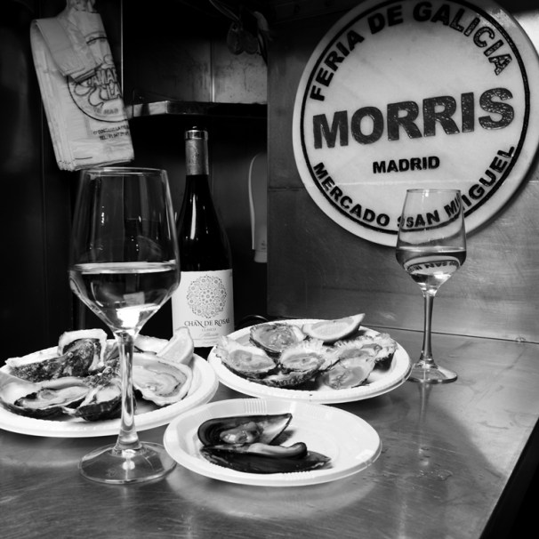 Wine Chan de Rosas Albariño with oysters and mussels