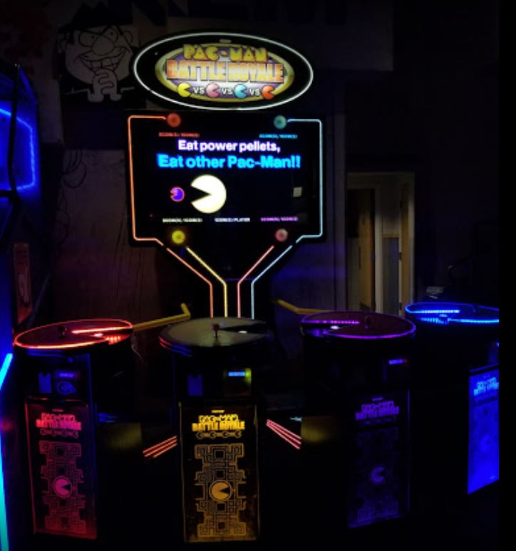 Pac-man Battle Royale arcade games