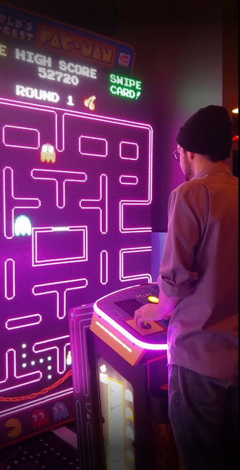 Largest Pacman game for bars & arcades