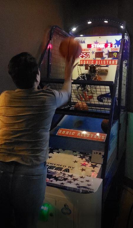 Sonic Basketball bar game