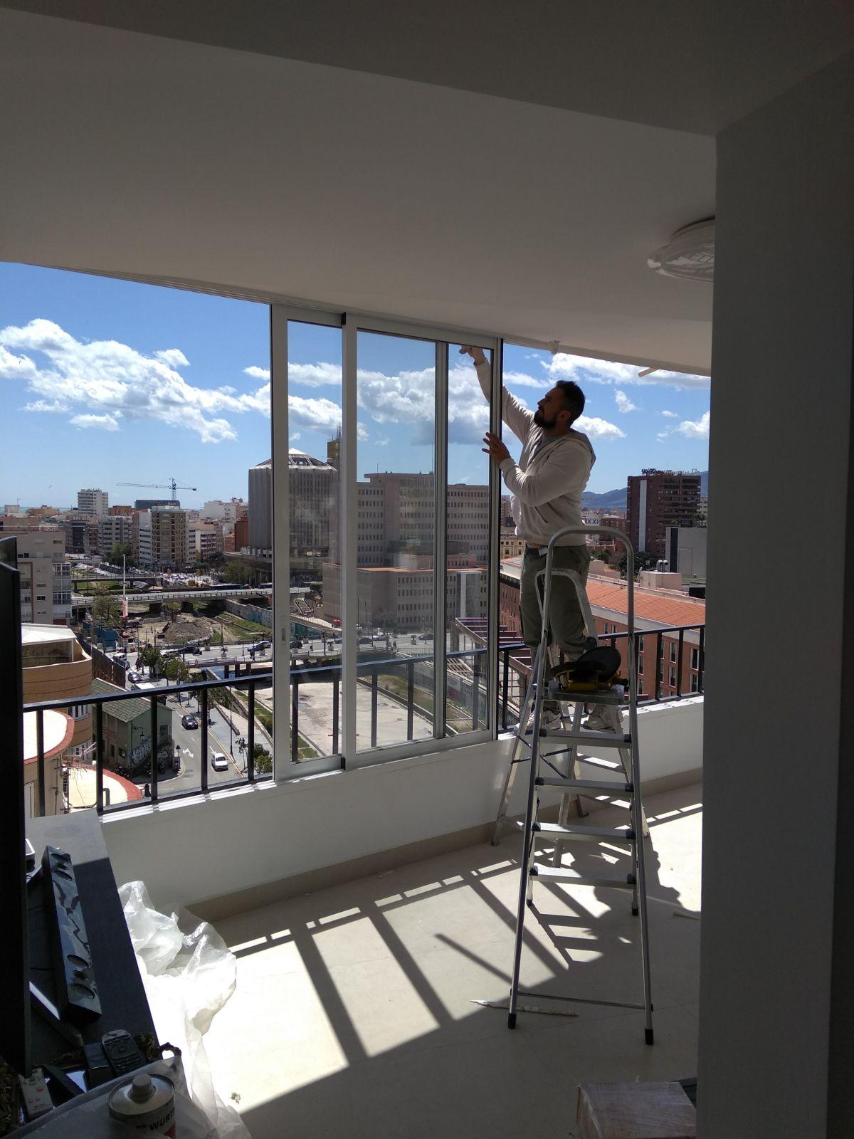 Proceso de Instalación de un cierre de terraza con ventanas de PVC