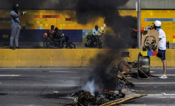 Teen shot dead in food truck looting in Venezuela