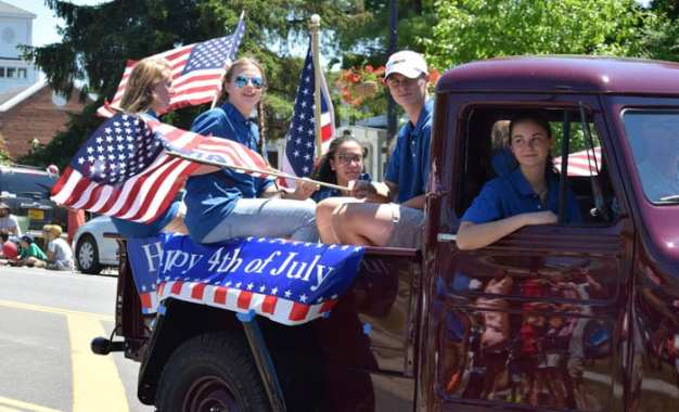 Sign up to be in the July 4 parade