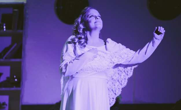 THEATER REVIEW: 'Spirit' sinks