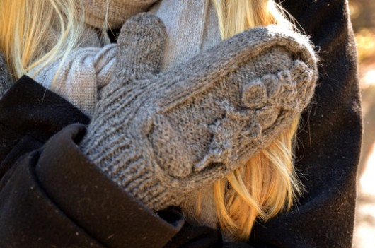 The Holly mitten at an angle