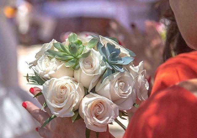 Beautiful #bouquet in #frigilliana   #love #weddings #weddingbouquet #weddingflorist #spain #destinationweddings #cranberryweddingstudio