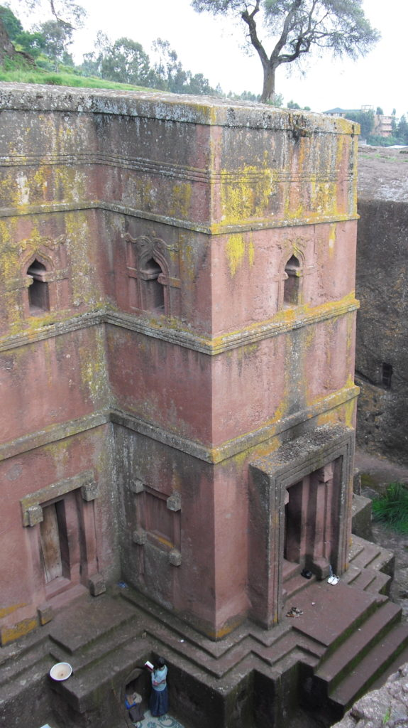 Bet-Giorgis-Lalibela-Etiopia-dall'altro