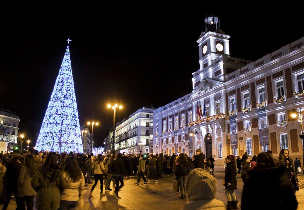 Puerta del Sol-notte-piazza del sol-Madrid-Spagna-Spain