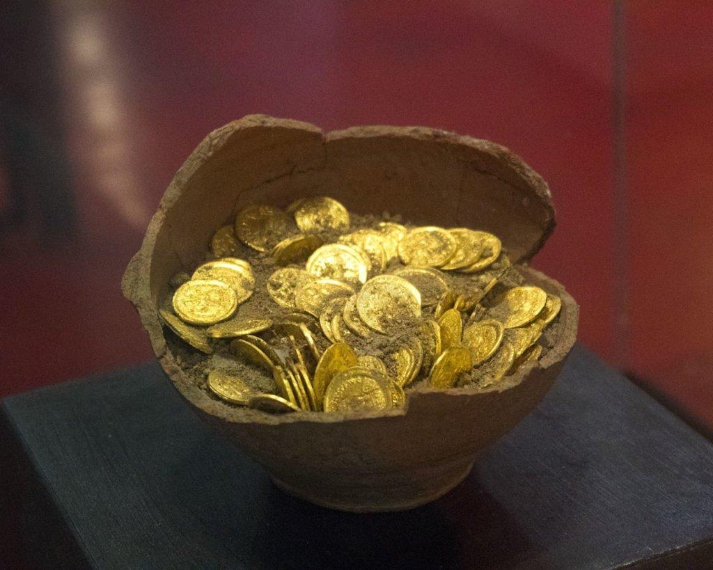 tesoro San Mimiliano-museo San Mamiliano-Sovana-Maremma Toscana-Toscana-Italia-Tuscany-Italy