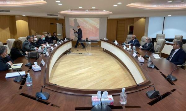 """مؤسسة النفط تدرس تعزيز التعاون مع """"سوناطراك"""" الجزائرية"""
