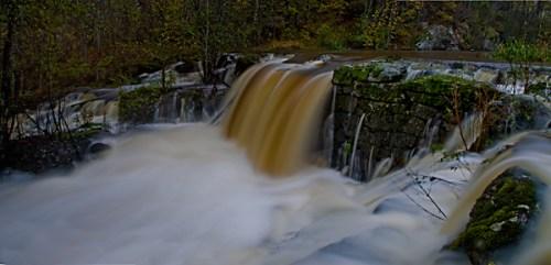 Strömmar av vatten