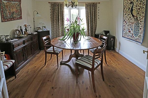 Extendable Farmhouse Dining