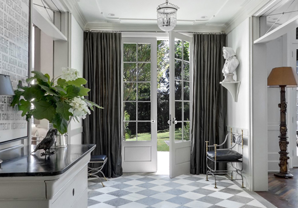 Superbe Front Doors With Curtains