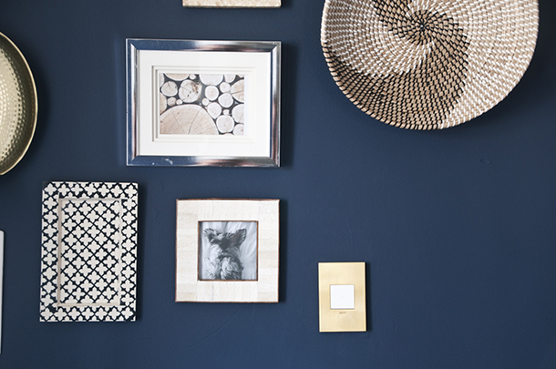 gallery wall gold