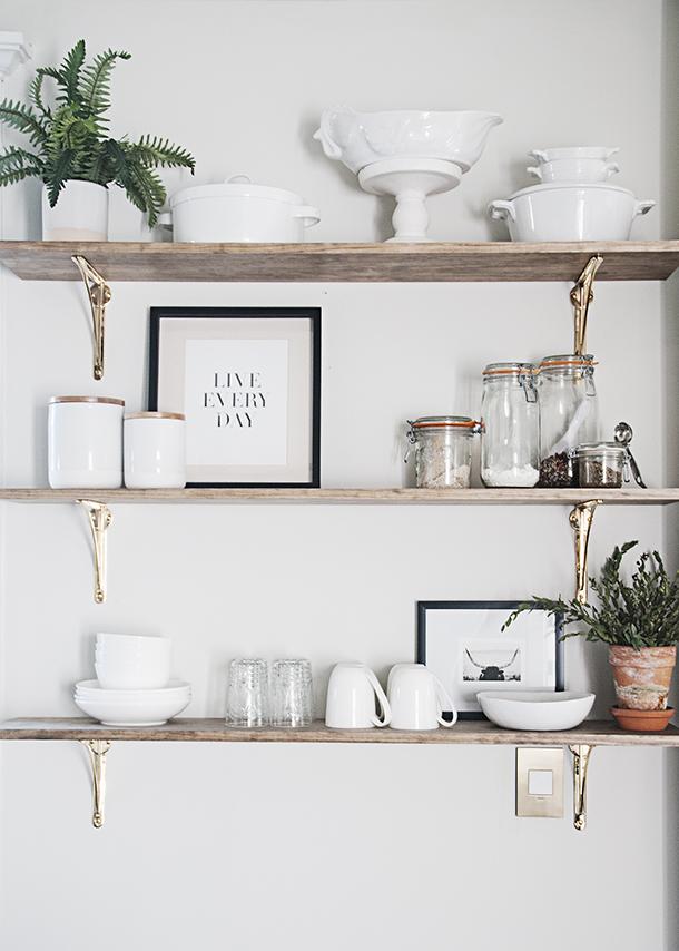 kitchen open shelving styling